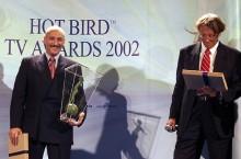 """Канал """"НТВ-Плюс Футбол"""" получил главный приз в номинации """"Спорт"""" на европейском конкурсе спутниковых каналов HOT BIRD AWARDS 2002. В конкурсе принимали участие свыше 150 телевизионных каналов, транслируемых спутниковыми телекомпаниями от Исландии на западе до Дубая на востоке. В результате на главную награду были номинированы три спортивных канала: общеевропейский Eurosport, итальянский Sailing Channel и российский """"НТВ-Плюс Футбол"""". 4 октября 2002 г. на церемонии вручения HOT BIRD AWARDS 2002  главная нагр"""